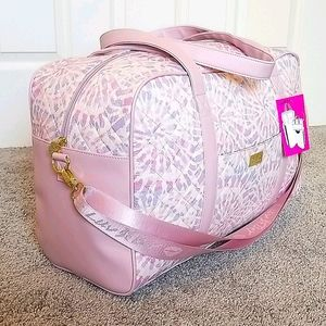 NWT-Betsey Johnson Weekender Bag Pink Tie …